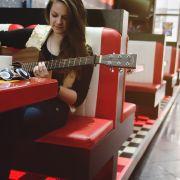 Sigma_Guitars_Anna_Lukov_05